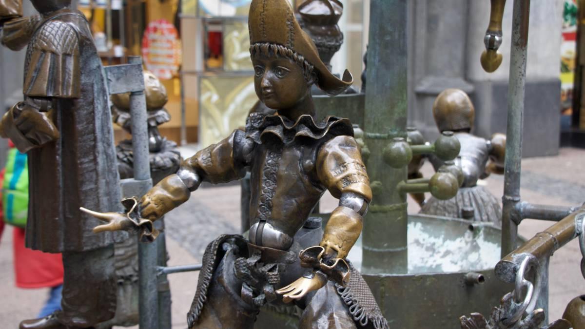 puppenbrunnen harlekin 1